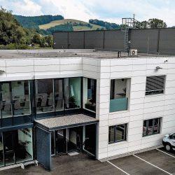 Gewerbe Fassade Metall essl-dach.at Wärmedämung Konstruktion (2) slider